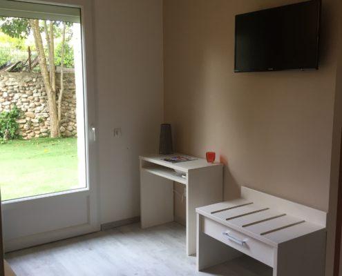 Mobilier chambre bois Pont Saint Esprit